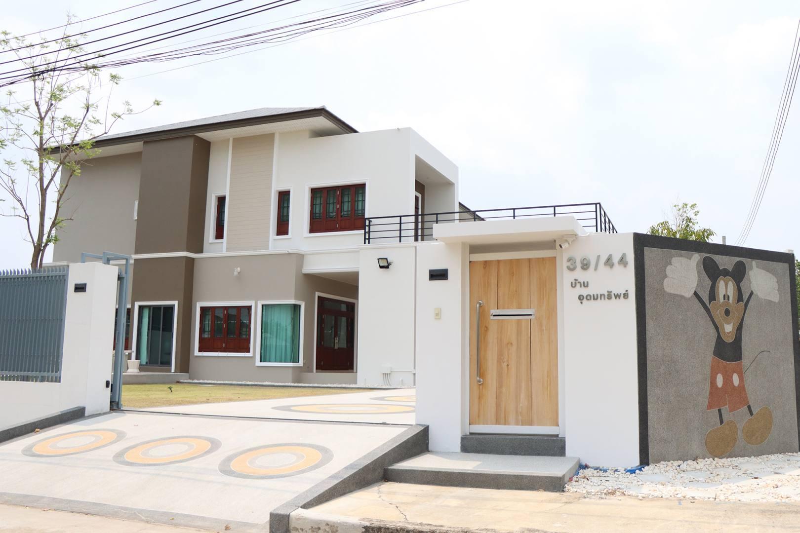 B1584 บิวท์ ทู บิวด์ รับสร้างบ้านคุณภาพ แบบบ้าน 2 ชั้น (1)